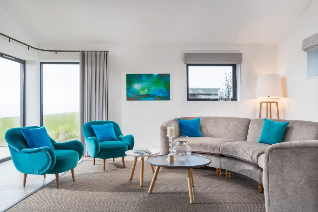 Designed by Cornwall interior designer Tracey Mannell, Panorama Beach Retreats
