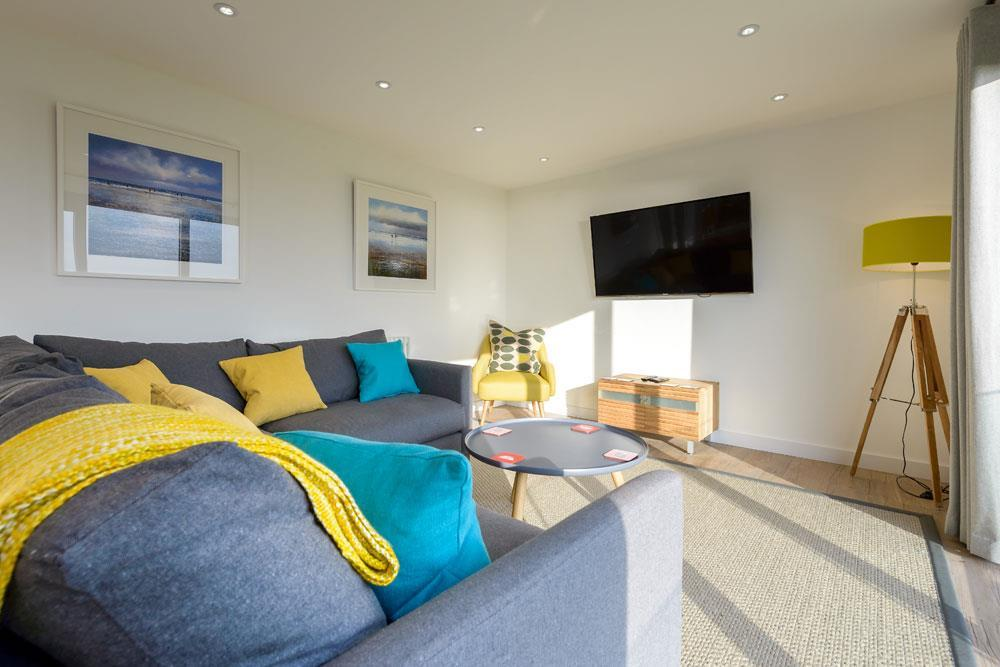 Yellow and grey interior colours for kids living space